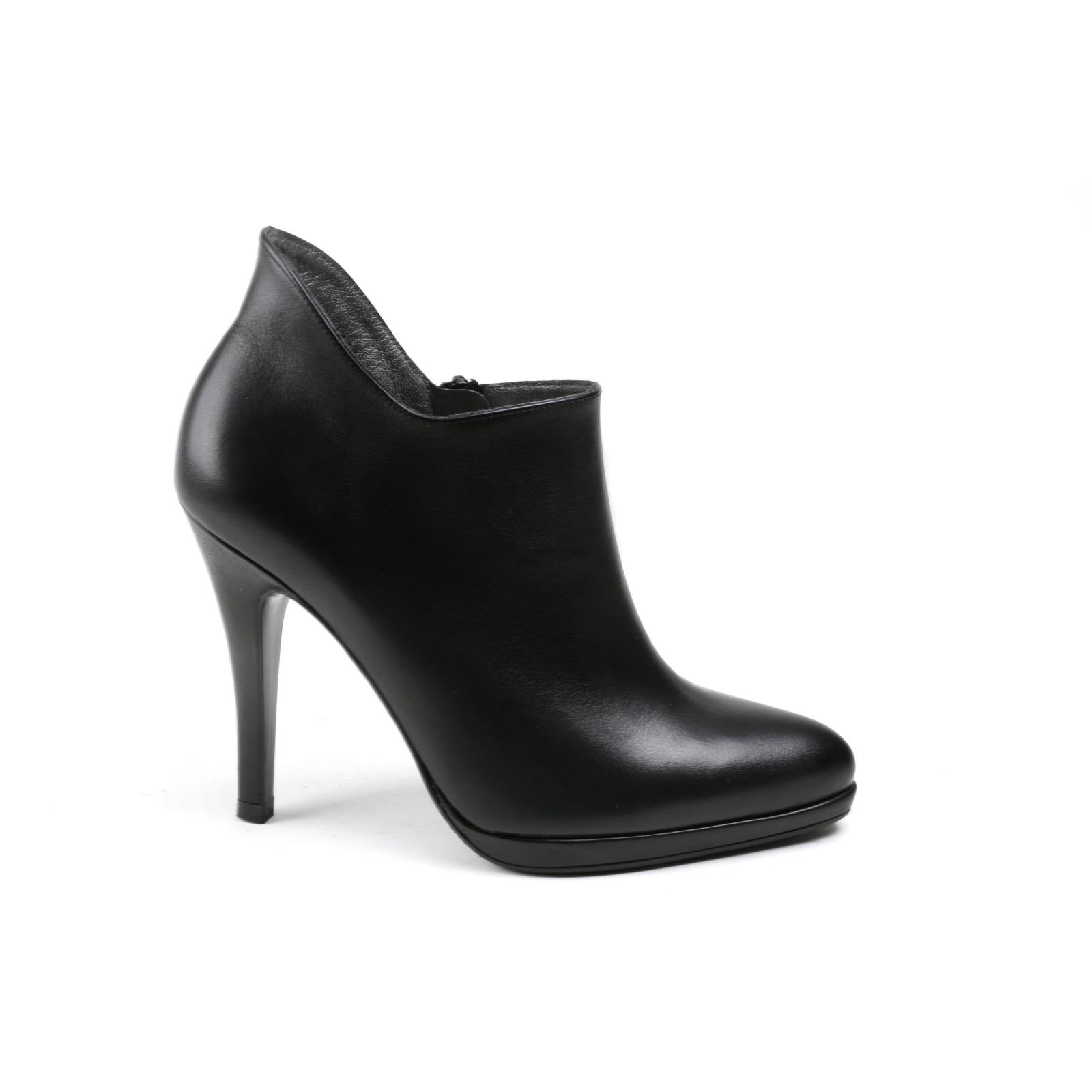Damen Stiefelette Peter Kaiser Ankle Boots schwarz Glattleder NEU Gr.39